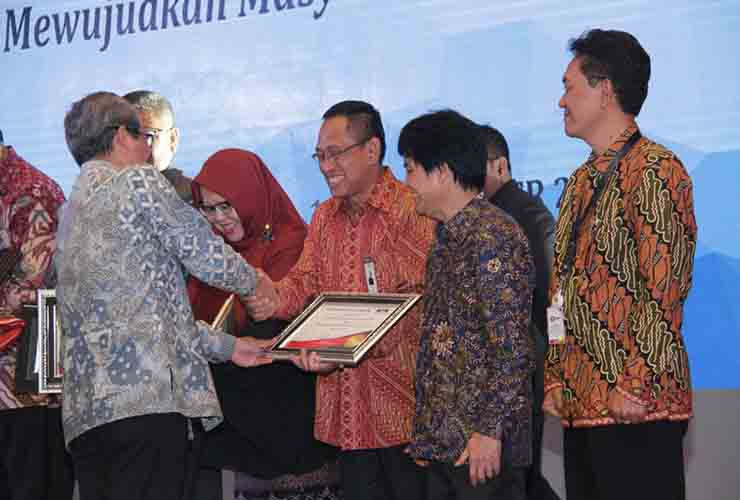 PLN Sabet Dua Penghargaan LHKPN 2017 dari KPK